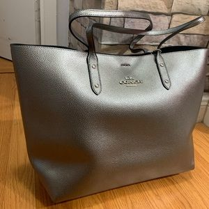 Authentic Coach metallic Pebbled leather Tote ❤️